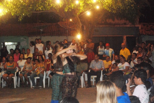 Cia. AfroMundi apresenta sua pesquisa com dança afrocontemporânea