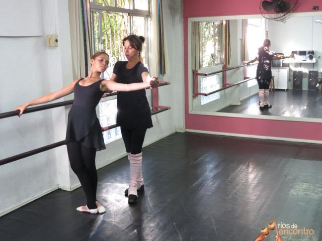 Camila aproveita de uma oficina de formacao durante o Festival Internacional de Danca, Florianopolis