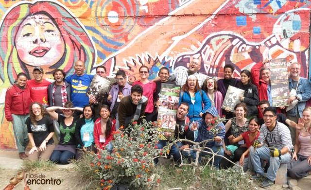 Gestores e arteducadores de Peru, Colombia, Argentina, Chile, Brasil, Canadá e Espanha celebram Amazônia Nossa Terra no Encontro Internacional de Teatro na Comunidade Villa El Salvador, em Lima, Peru
