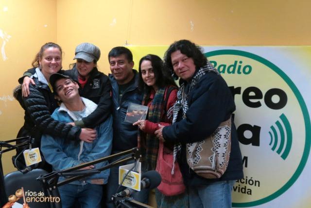 Lancamento do CD Amazonia Nossa Terra no Radio Vila El Salvador, Lima, Peru com gestores culturais de Colombia, Peru, Argentina, Brasil, Canada e Espanha