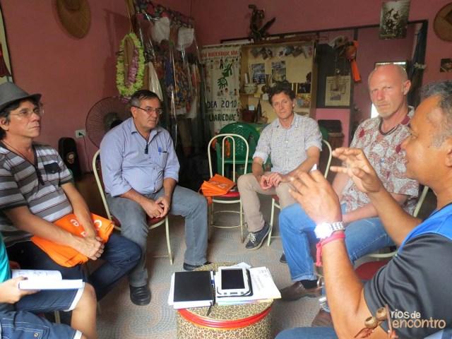 Zequinha Sousa apresenta pesquisa sobre vida amazonica na roda de dialogo