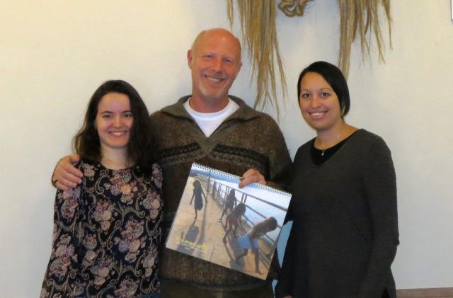 Dra Michela Coletta, Dra Malayna Raftopoulos e Dan Baron em Londres celebram a decisão de criar uma colaboração em 2014