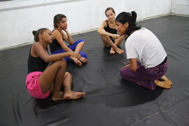 Cristina colabora com a Cia. AfroMundi, oferecendo um curso de dança contemporanea.