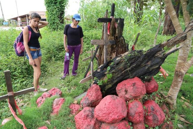 Camila Alves e Cristina Ruiz visitam o monumento As Castanheiras de Eldorado dos Carajás para conhecer a história viva da região.