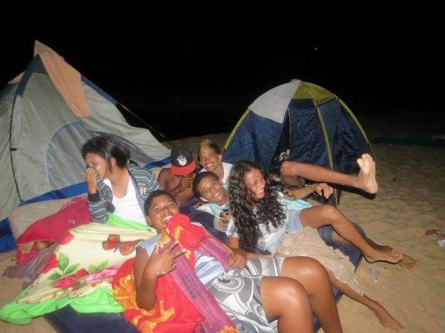 Acampamento lua cheia lançou Cine Coruja na Praia Tucunaré e integrou os coordenadores dos micro-projetos antes de iniciar os cursos de verão.