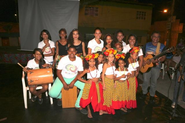 Duas gerações das Latinhas de Quintal se retratam no final do Festival Beleza Amazonica 2015