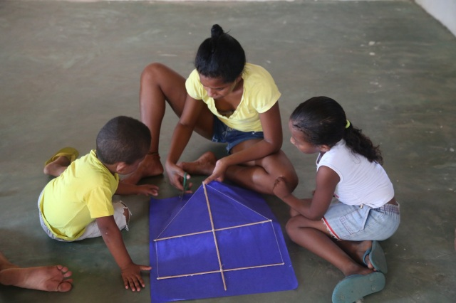 Roseane coordena sua primeira roda de criação