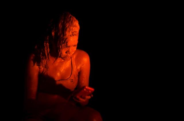 Camylla Alves apresenta Nascente em Chamas no Teatro Experimental Waldemar Henrique em Belém, no dia 30 de novembro.