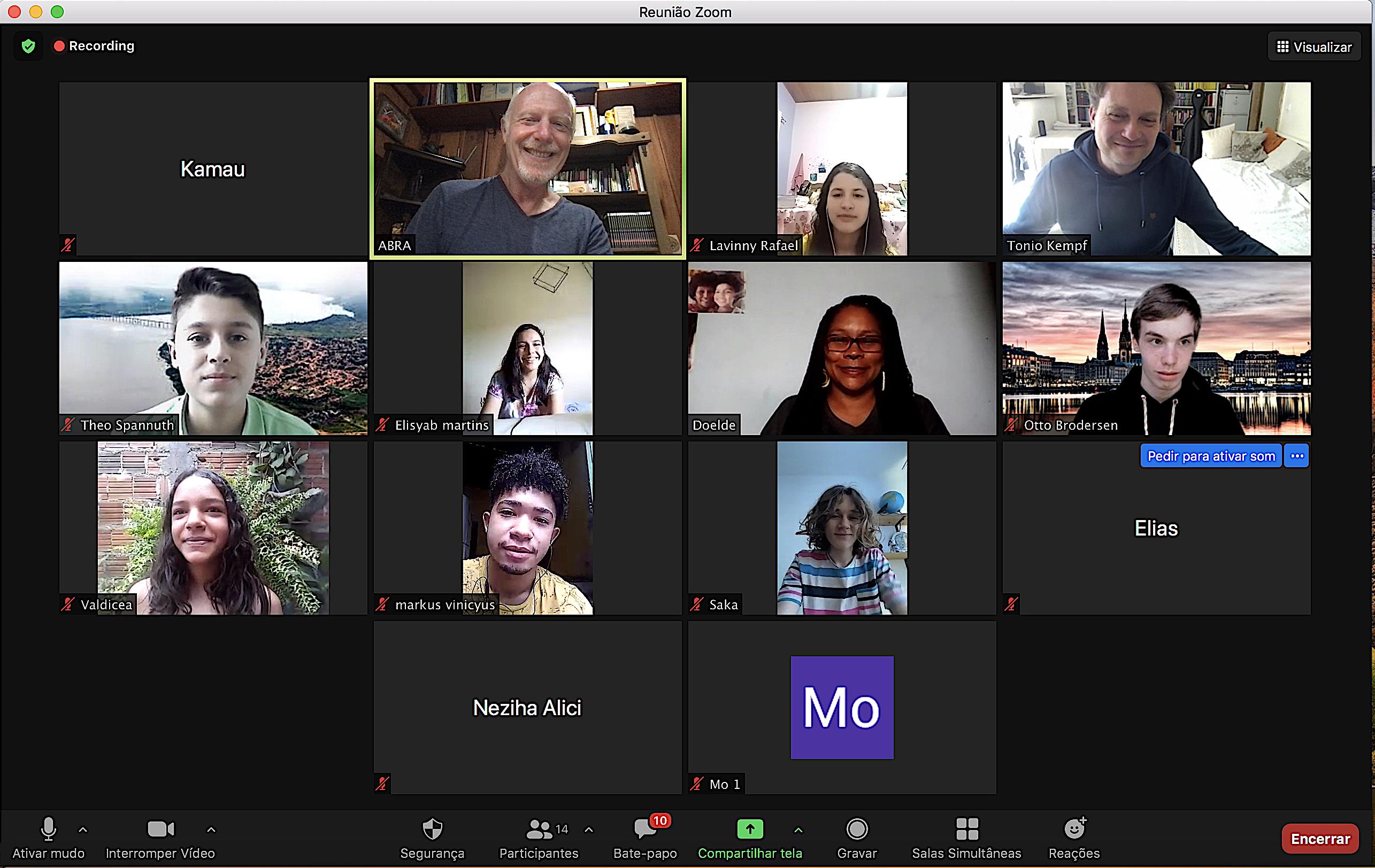 Foto 4 Alunas do projeto Conexão Afro dialogam com alunos de Hamburgo Alemanha num diálogo sobre como defender Amazônia.